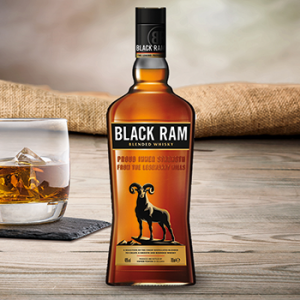 Viskijs Black Ram  40%
